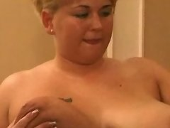 Two plump housewifes enjoy blackie