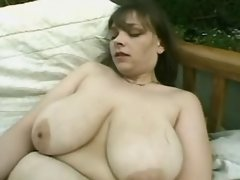 Fat slut w big tits dildoes outdoor