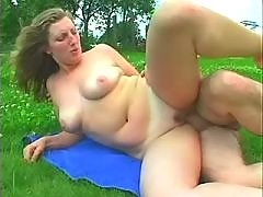 Plump milf gets cumload in mouth